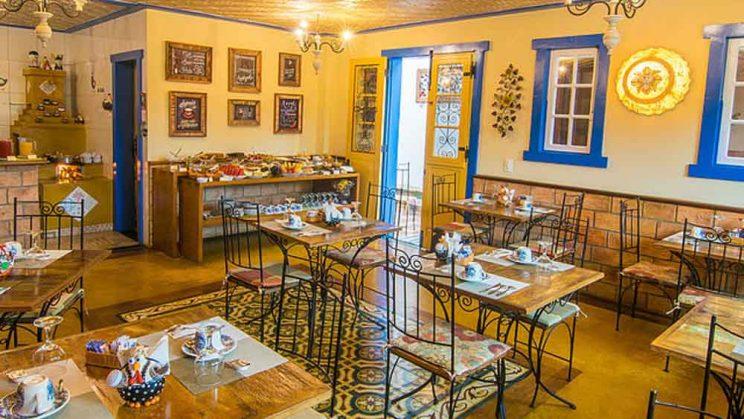 area-do-cafe-da-manha-pousada-marilia-dirceu-tiradentes
